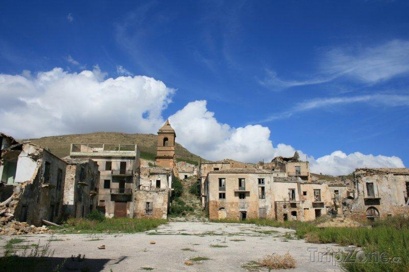 Fotka, Foto Zkáza hlavního města Port au Prince (Haiti)