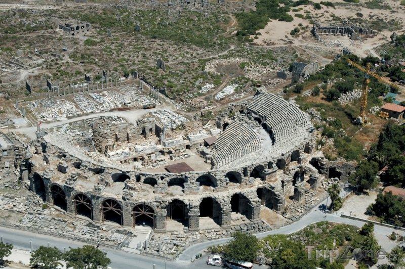 Fotka, Foto Antalya, antický amfiteátr z ptačí perspektivy (Turecká riviéra, Turecko)