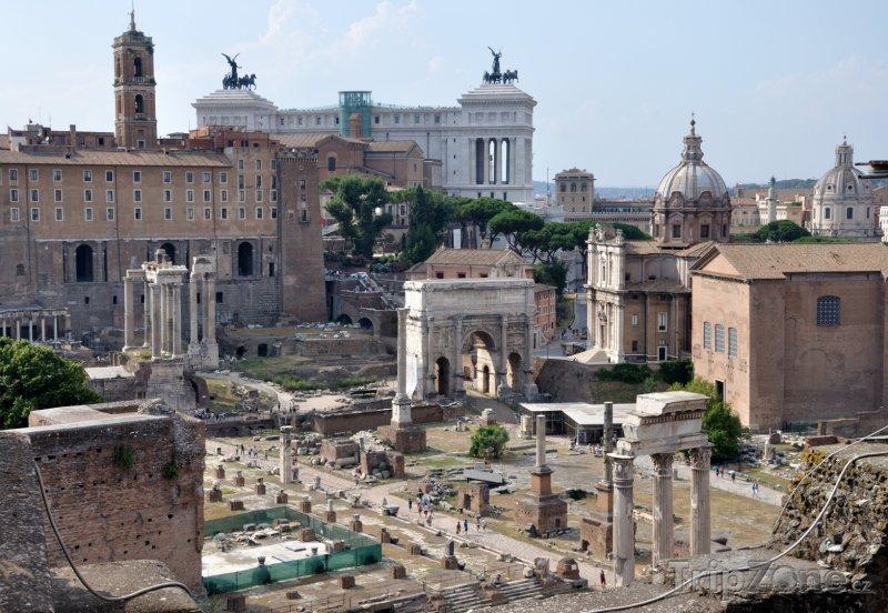 Fotka, Foto Antické Forum Romanum (Řím, Itálie)