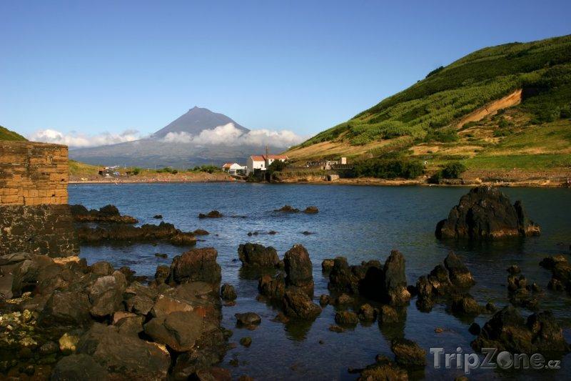 Fotka, Foto Azory, ostrov Faial, pohled na sopku Ponta do Pico (Portugalsko)