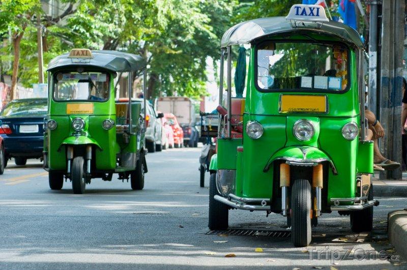 Fotka, Foto Bangkok, rikši v ulicích města (Thajsko)