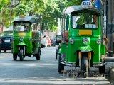 Bangkok, rikši v ulicích města