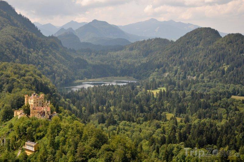 Fotka, Foto Bavorská příroda a zámek Hohenschwangau (Německo)
