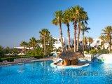 Bazén s palmami