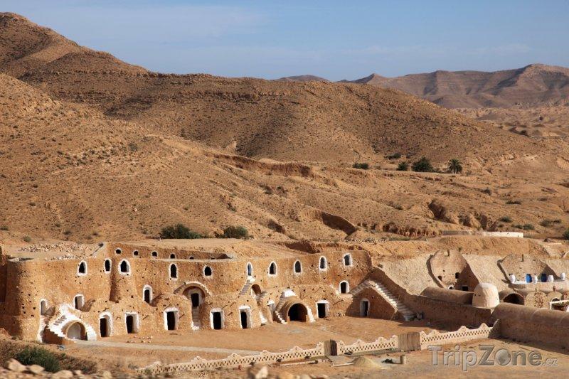 Fotka, Foto Beduínské obydlí v tuniské poušti (Tunisko)