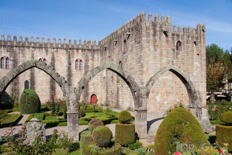 Fotka, Foto Braga, zahrada sv. Barbory v Arcibiskupském paláci (Portugalsko)