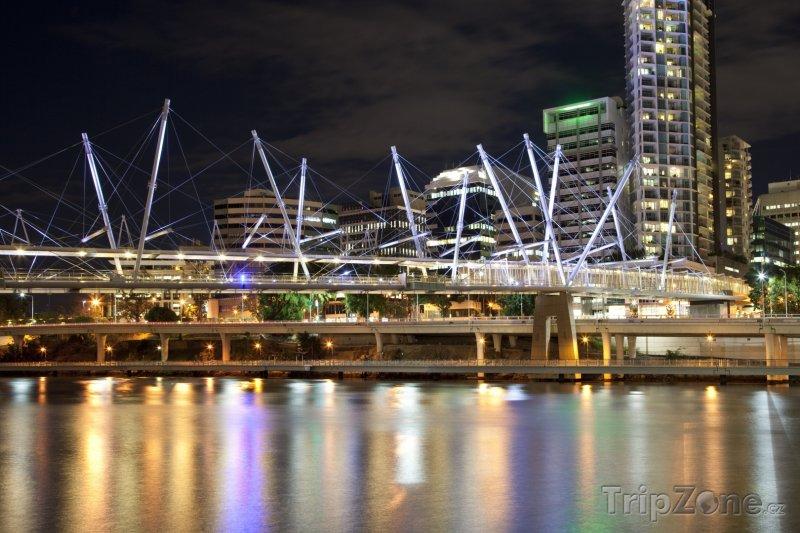 Fotka, Foto Brisbane v noci (Austrálie)