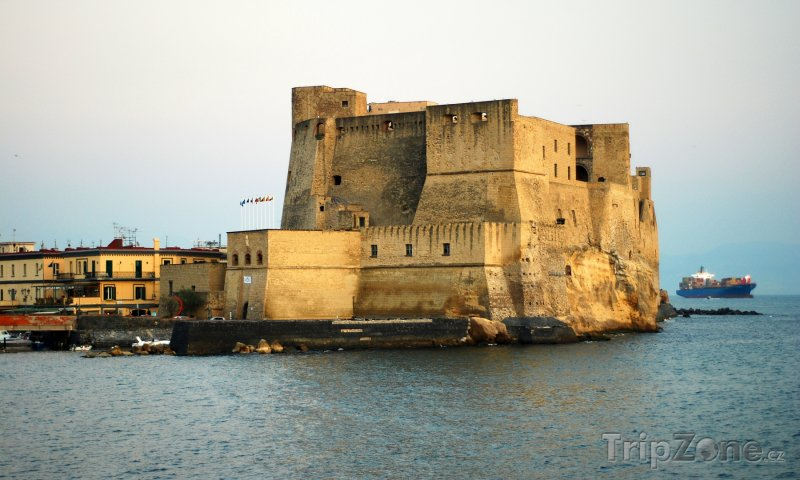 Fotka, Foto Castel dell'Ovo v Neapoli (Neapol, Itálie)