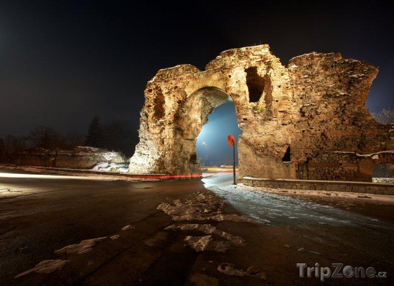 Fotka, Foto Chisarja, zbytky římského opevnění (Bulharsko)