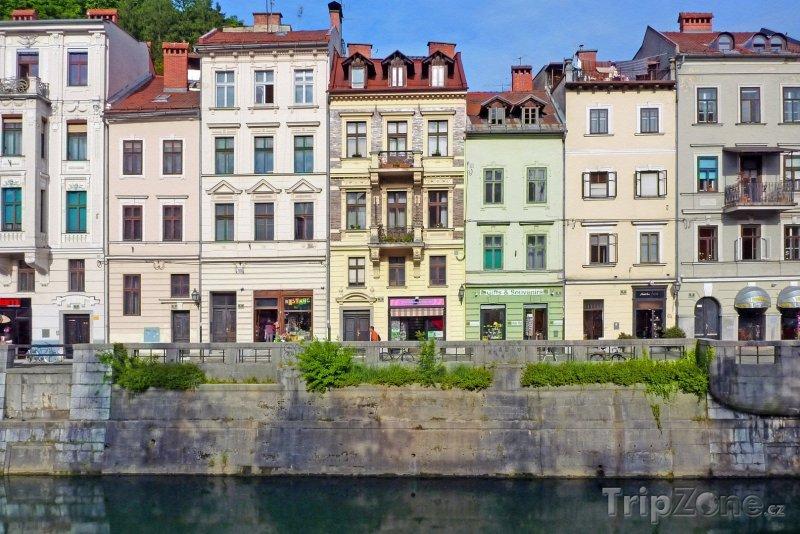 Fotka, Foto Domy na nábřeží Lublanice (Lublaň, Slovinsko)