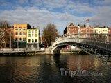 Dublin, Ha'penny-Bridge přes řeku Liffey