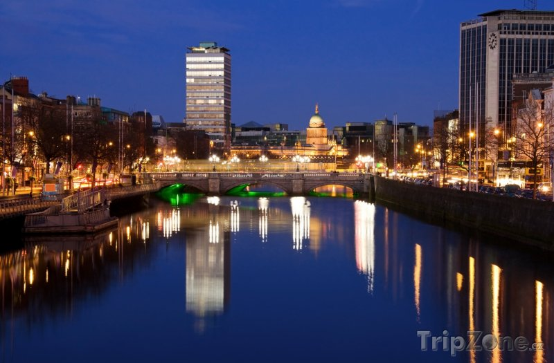 Fotka, Foto Dublinský O'Connell Bridge na sklonku dne (Dublin, Irsko)