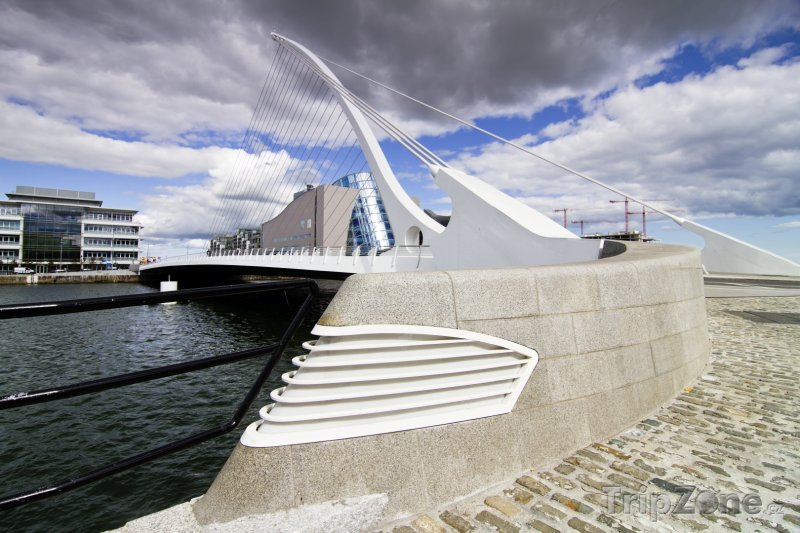 Fotka, Foto Dublinský Samuel Beckett Bridge (Dublin, Irsko)