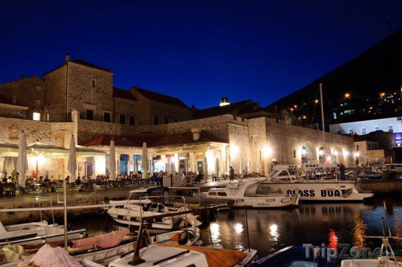 Fotka, Foto Dubrovnický přístav v noci (Dubrovník, Chorvatsko)