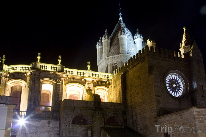 Fotka, Foto Évora, noční scenérie (Portugalsko)