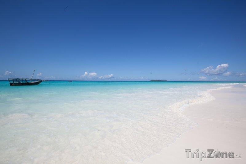 Fotka, Foto Exotická pláž na Zanzibaru (Tanzanie)