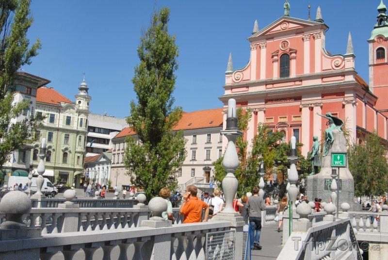 Fotka, Foto Františkánský kostel Zvěstování Panny Marie (Lublaň, Slovinsko)