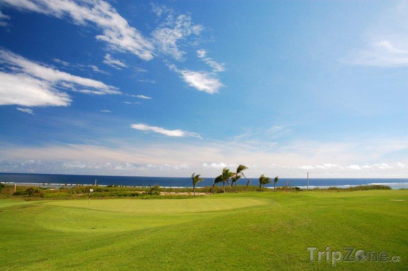 Fotka, Foto Golfové hřiště na ostrově Viti Levu (Fidži)