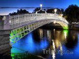 Ha'penny Bridge v Dublinu