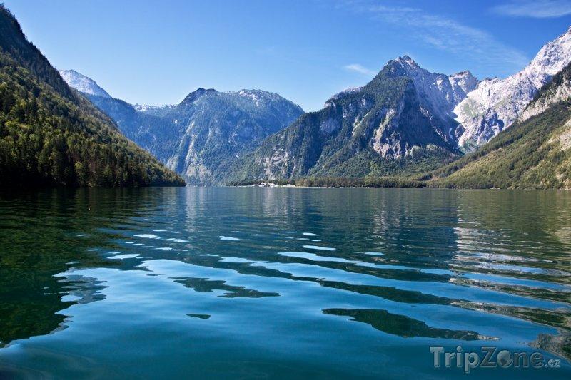 Fotka, Foto Hladina jezera Königssee (Německo)