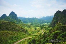 Horské údolí v provincii Cao Bang
