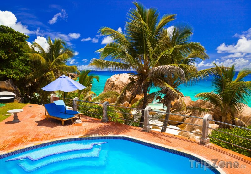 Fotka, Foto Hotelový bazén u pláže (Seychely)