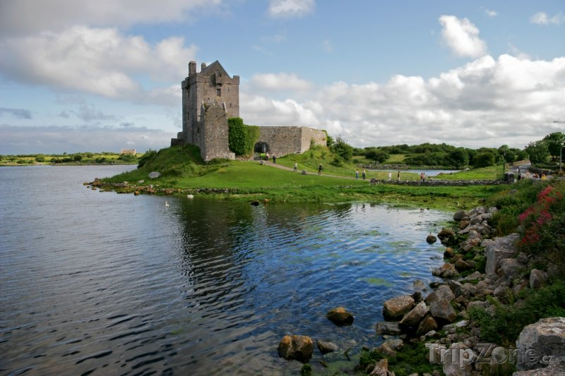 Fotka, Foto Hrad Dunguaire v hrabství Galway (Irsko)