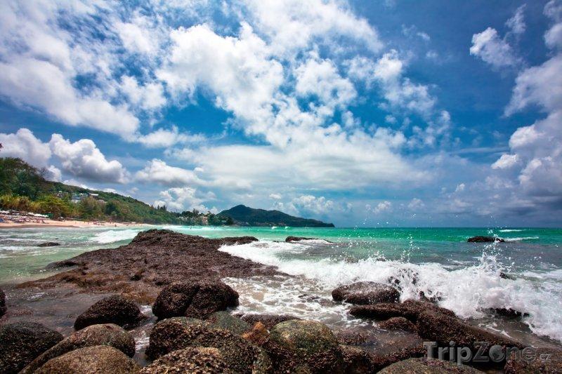 Fotka, Foto Kamenité pobřeží Phuketu (Thajsko)