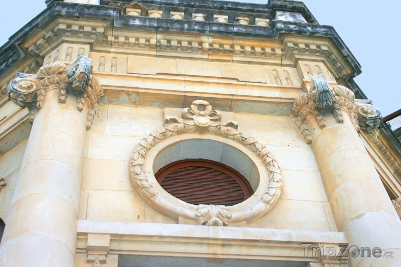 Fotka, Foto Knihovna v Limassolu (Kypr)