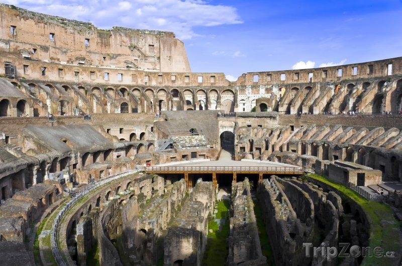 Fotka, Foto Koloseum zevnitř (Řím, Itálie)