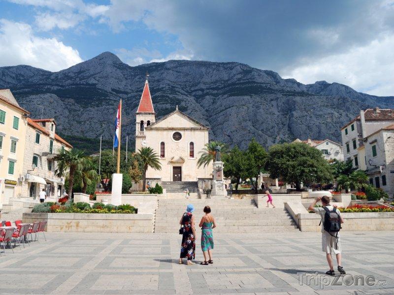 Fotka, Foto Kostel v centru města Makarska (Chorvatsko)