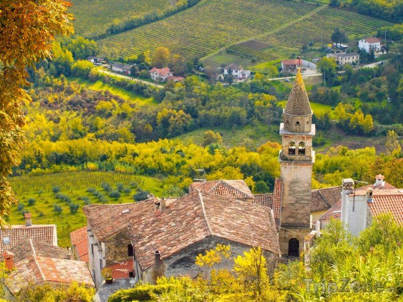 Fotka, Foto Kostel ve vesnici Motovun, poloostrov Istrie (Chorvatsko)