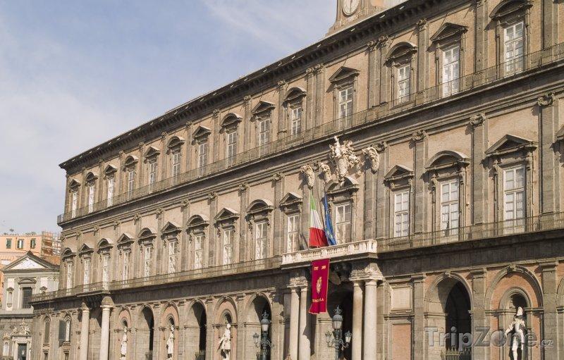 Fotka, Foto Královský palác (Palazzo Reale) (Neapol, Itálie)