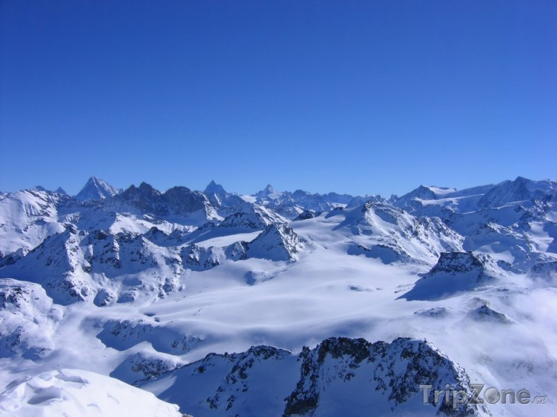 Fotka, Foto Les 4 Vallées, panoráma alpských vrcholků z Mont-Fort (Švýcarsko)