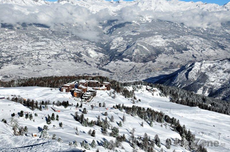 Fotka, Foto Les 4 Vallées, pohled na Thyon (Švýcarsko)