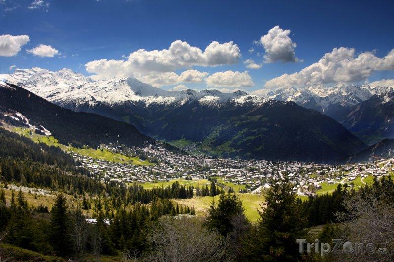 Fotka, Foto Les 4 Vallées, pohled na Verbier (Švýcarsko)