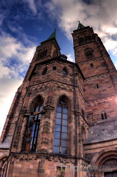 Fotka, Foto Lorenzkirche v Norimberku (Norimberk, Německo)