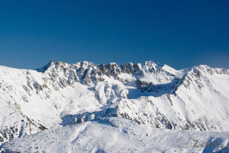 Fotka, Foto Lyžařské středisko Bansko, pohled na vrcholky pohoří Pirin (Bulharsko)