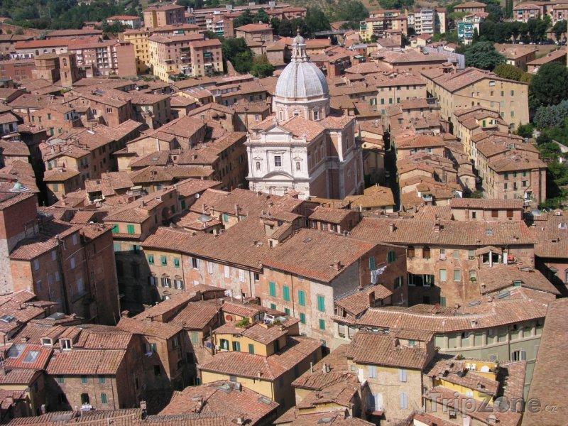 Fotka, Foto Malebné město Siena (Itálie)