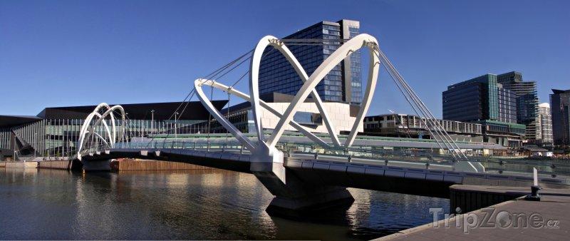Fotka, Foto Melbourne - most přes řeku Yarra (Austrálie)