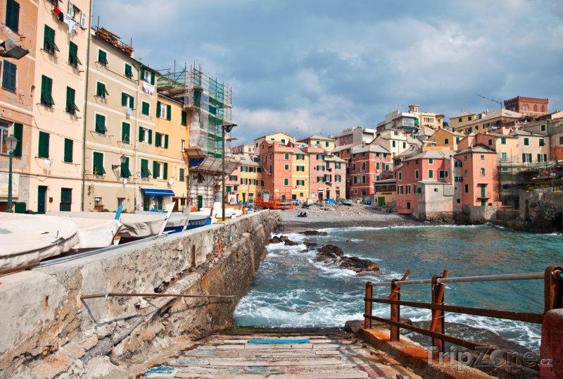 Fotka, Foto Molo v janovském přístavu (Itálie)