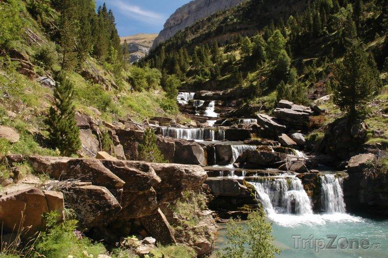 Fotka, Foto Národní park Ordesa y Monte Perdido, vodopád (Španělsko)