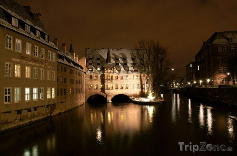 Fotka, Foto Noční scenérie v Norimberku (Norimberk, Německo)