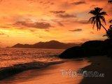 Ostrov La digue při západu Slunce
