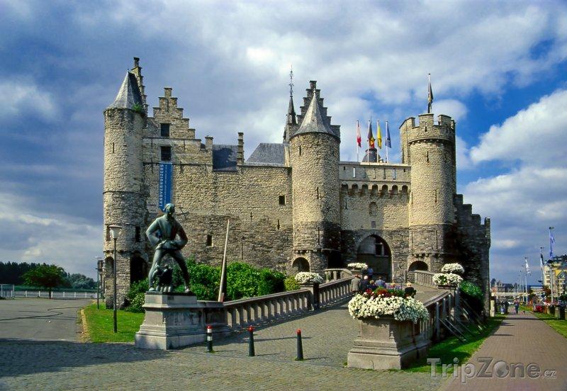 Fotka, Foto Pevnost Het Steen - budova námořního muzea (Belgie)