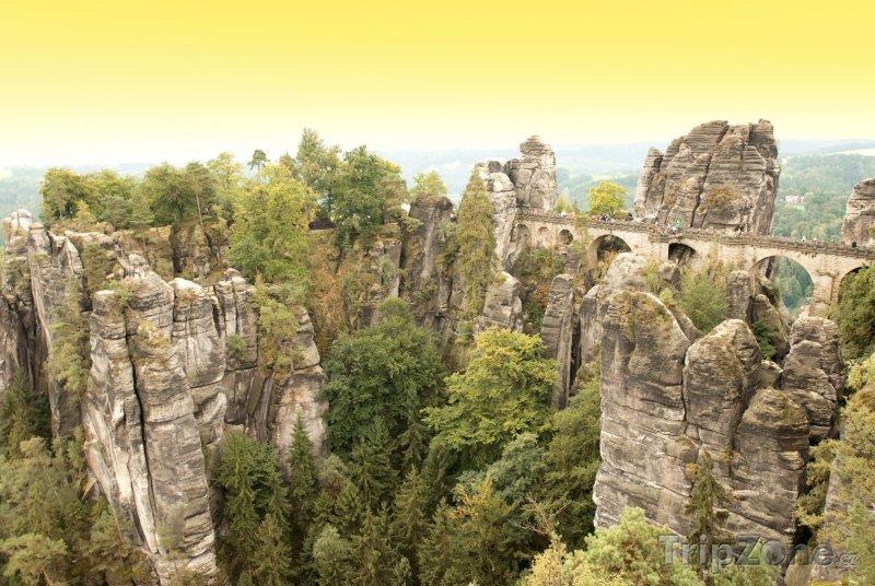 Fotka, Foto Pískovcové skály poblíž Labe (Německo)