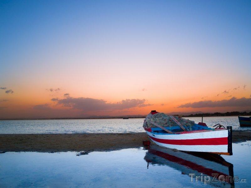Fotka, Foto Pláž Hammamet při západu Slunce (Tunisko)