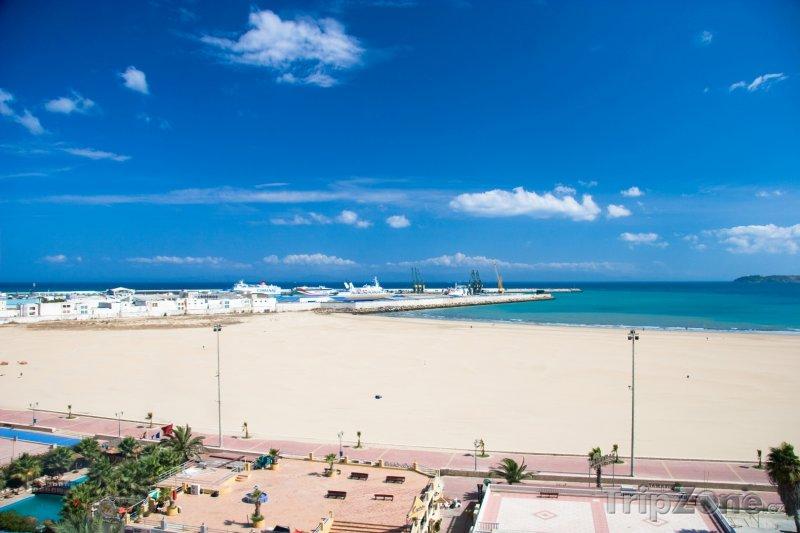 Fotka, Foto Pláž ve městě Tangier (Maroko)