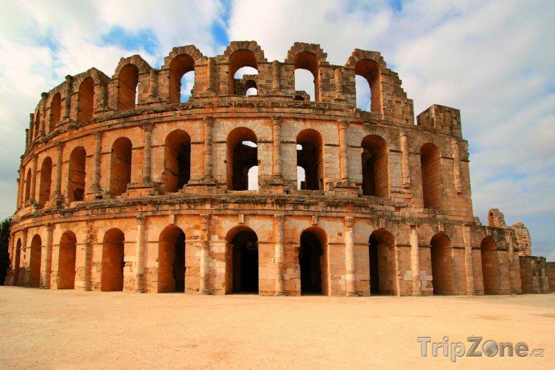 Fotka, Foto Pohled na amfiteátr ve městě El Djem (Tunisko)