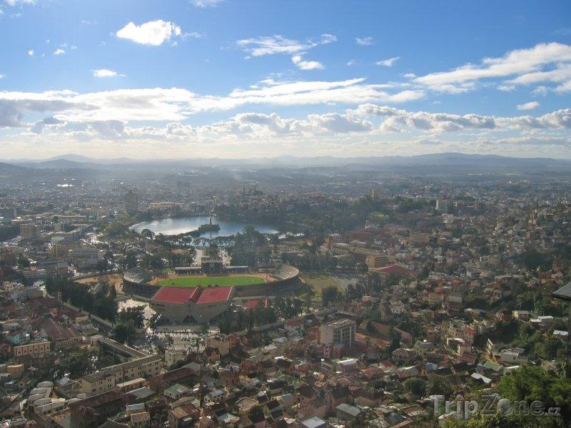 Fotka, Foto Pohled na hlavní město Antananarivo (Madagaskar)